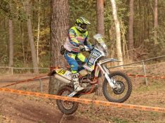 879 Martien Jimmink (NV50) in training voor Dakar